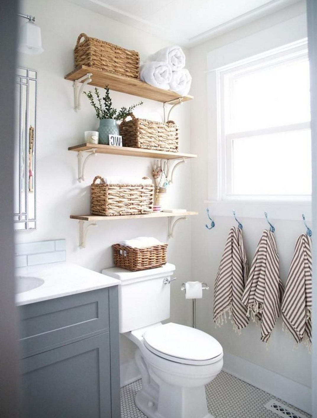 Bathroom Decoration- Know the Benefits of Installing a Metal Shelf.