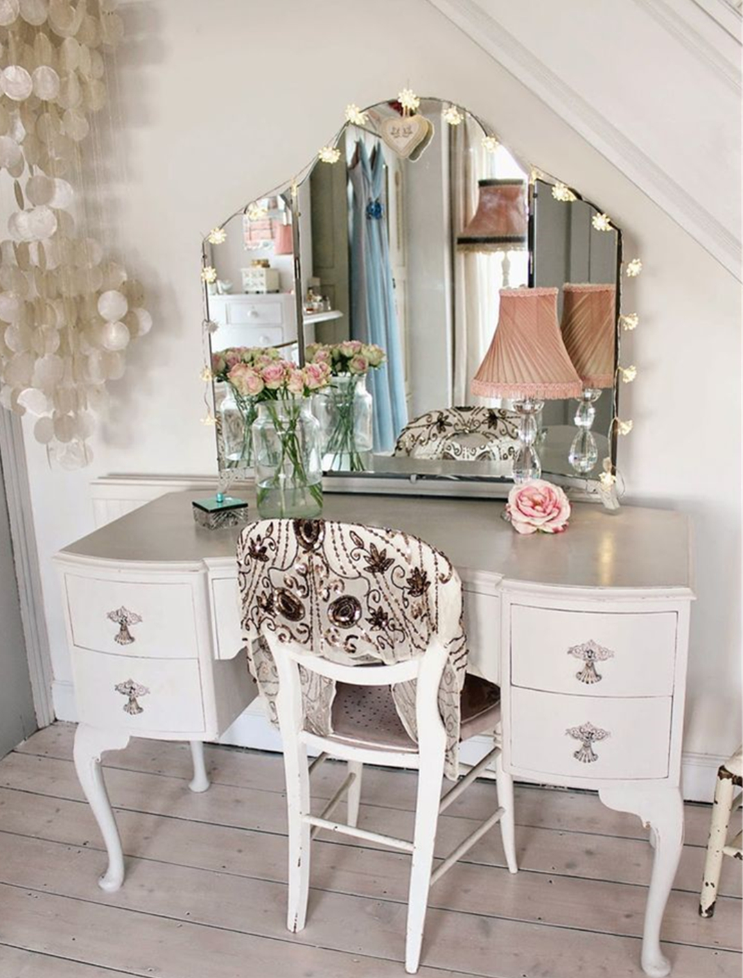 How Dressing Table Decorate Your Room