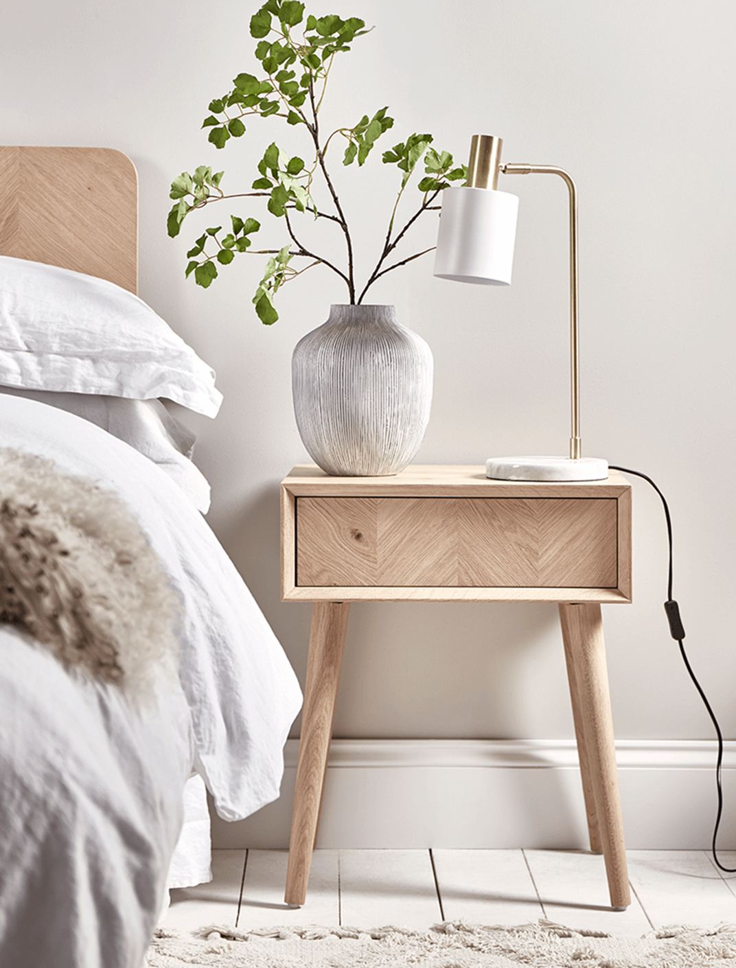 The Advantages of Having A Bedside Table